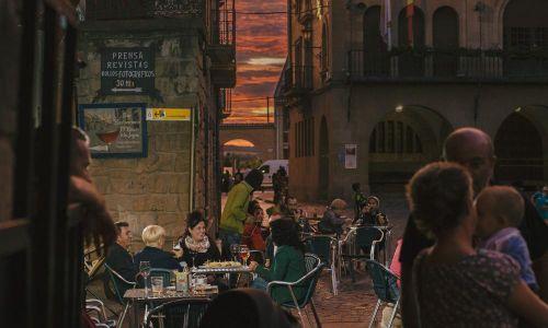 GALERIA DE FOTOS Bar terraza en Olite