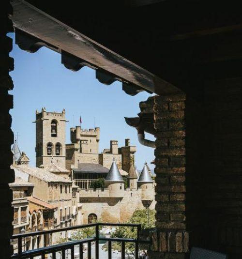 GALERÍA DE FOTOS Hotel con vistas al castillo de Olite